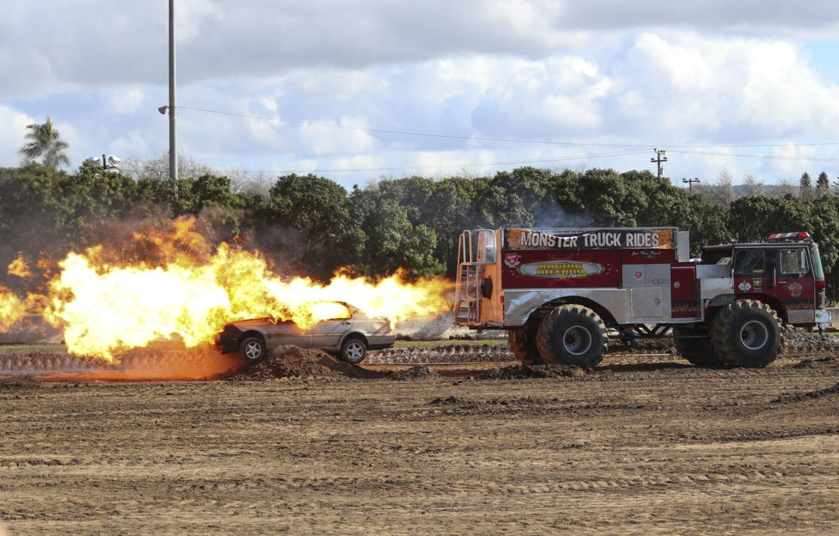 Photos Santa Maria Fairpark Roars With The Sounds Of Thunder Monster Truck Thunder Lifestyles Santamariatimes Com