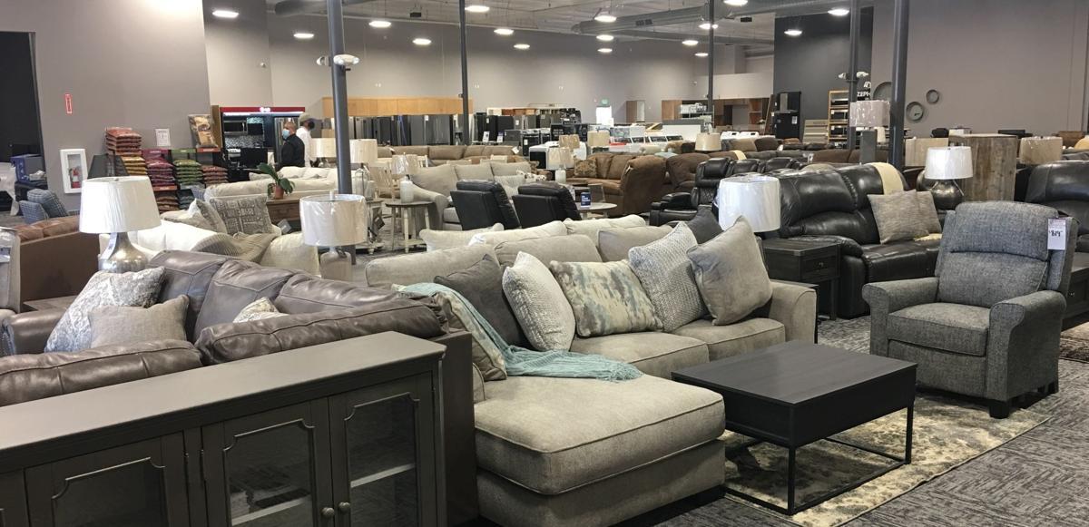072320 Idler's new store 08.jpg