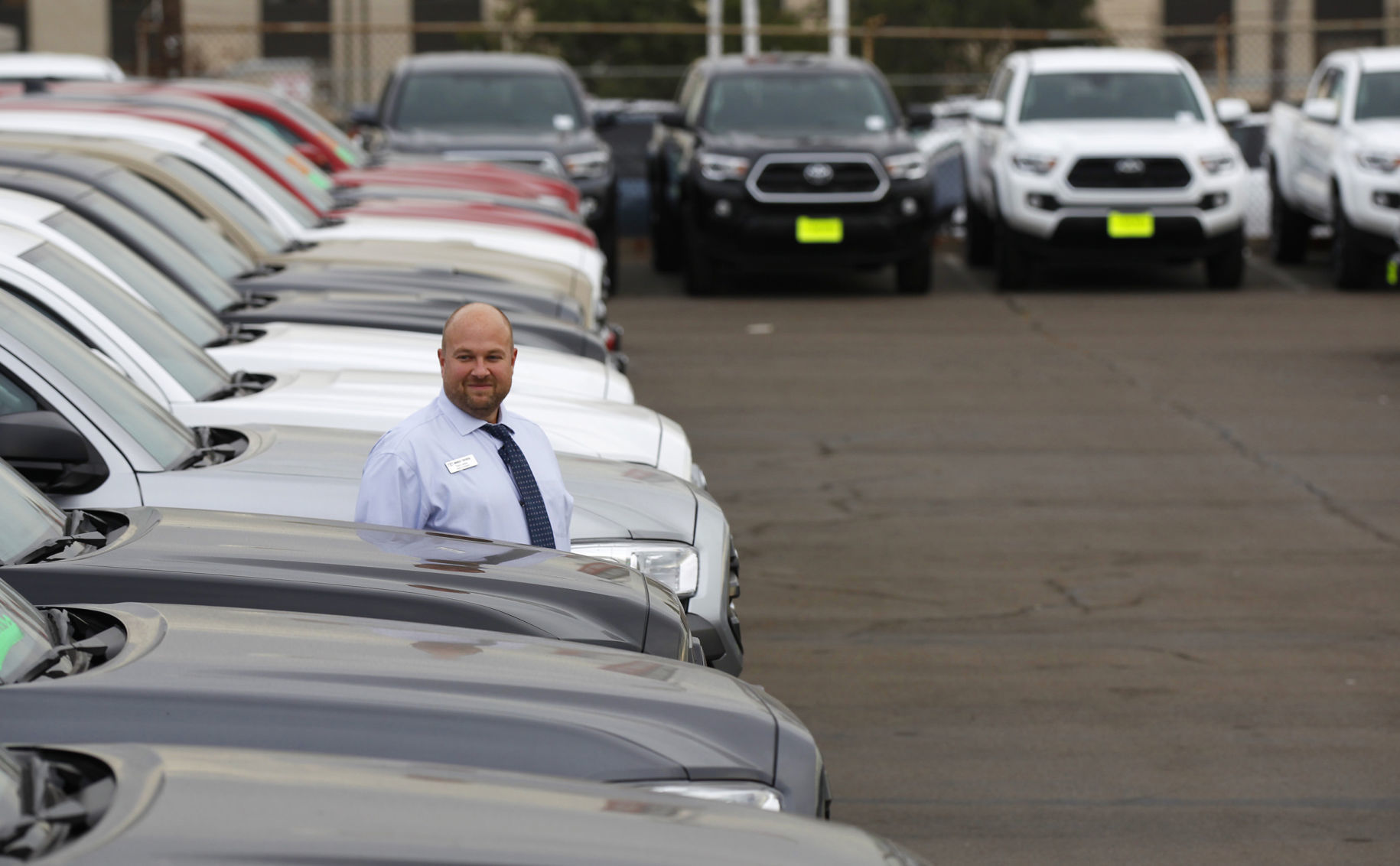 Biz Auto Calif Sales Salesman Tom Larkin Walks Among Toyota Tacomas At Mossy  Toyota In Pacific