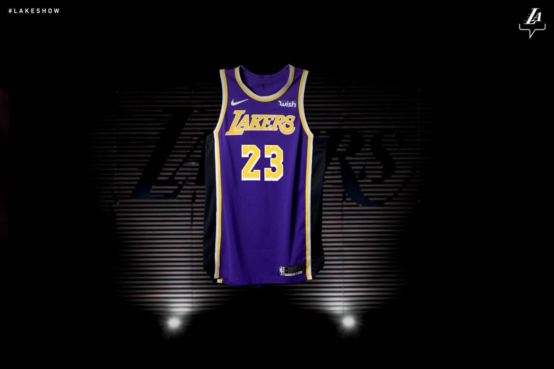 Los Angeles Lakers unveil new jersey