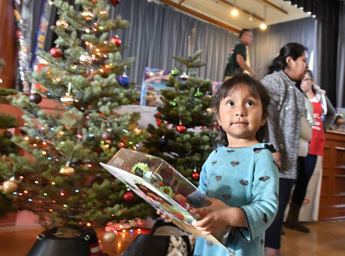 121818 Rescue Mission Christmas 01.jpg