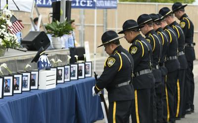 051519 Fallen Officers 01.jpg (Spanish)