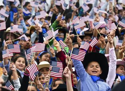 053019 Mini Rodeo news 10.jpg (Spanish)