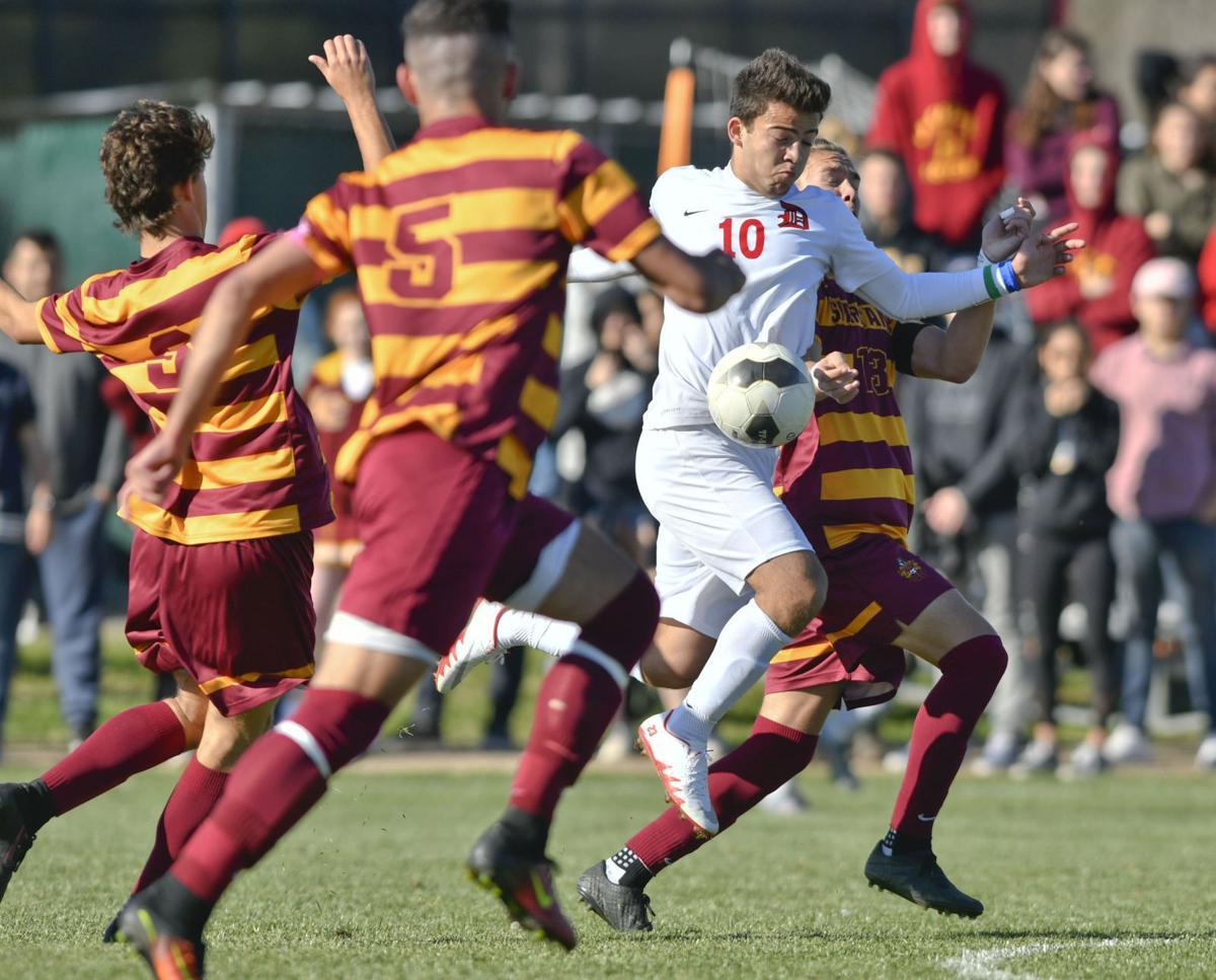 022817 LC Dunn b soccer 02.jpg