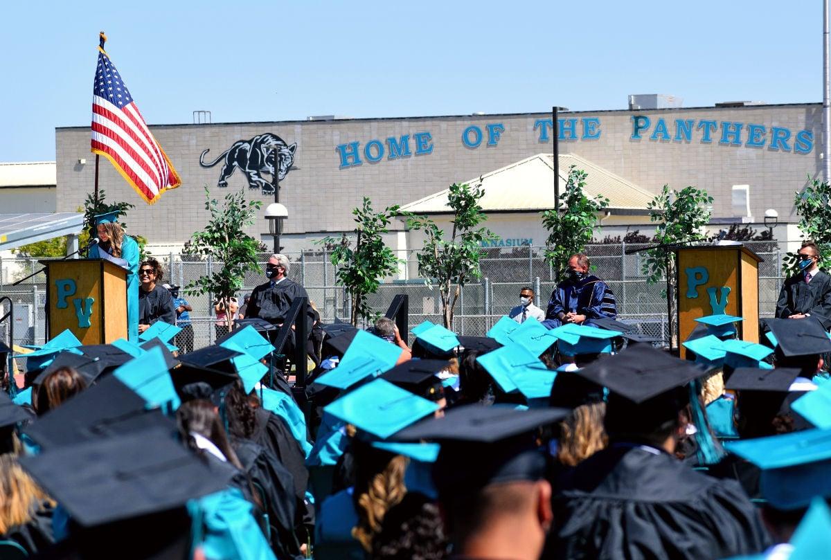 061121-smt-news-pv-high-graduation-002