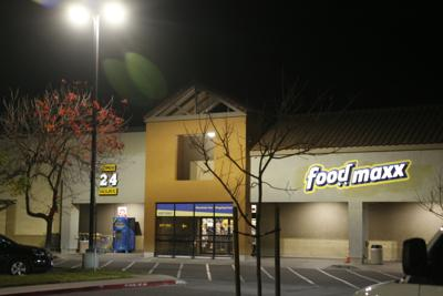 FoodMaxx on South Broadway at nigh