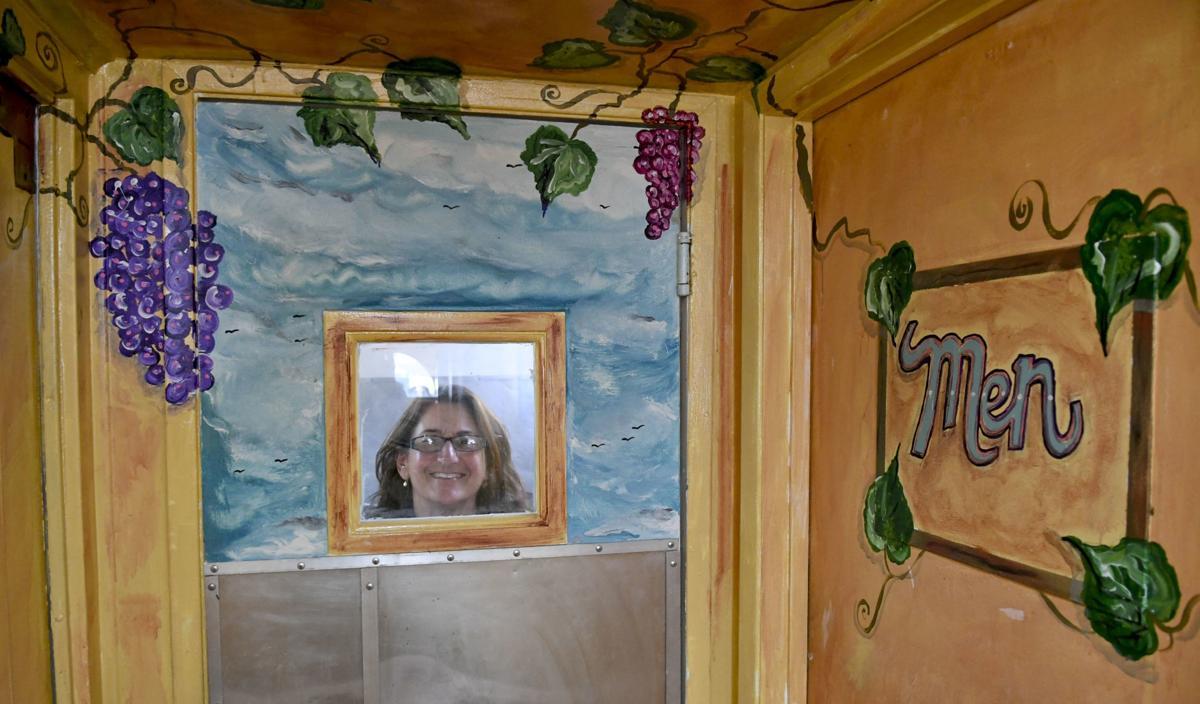 091719 La Botte mural 02.jpg