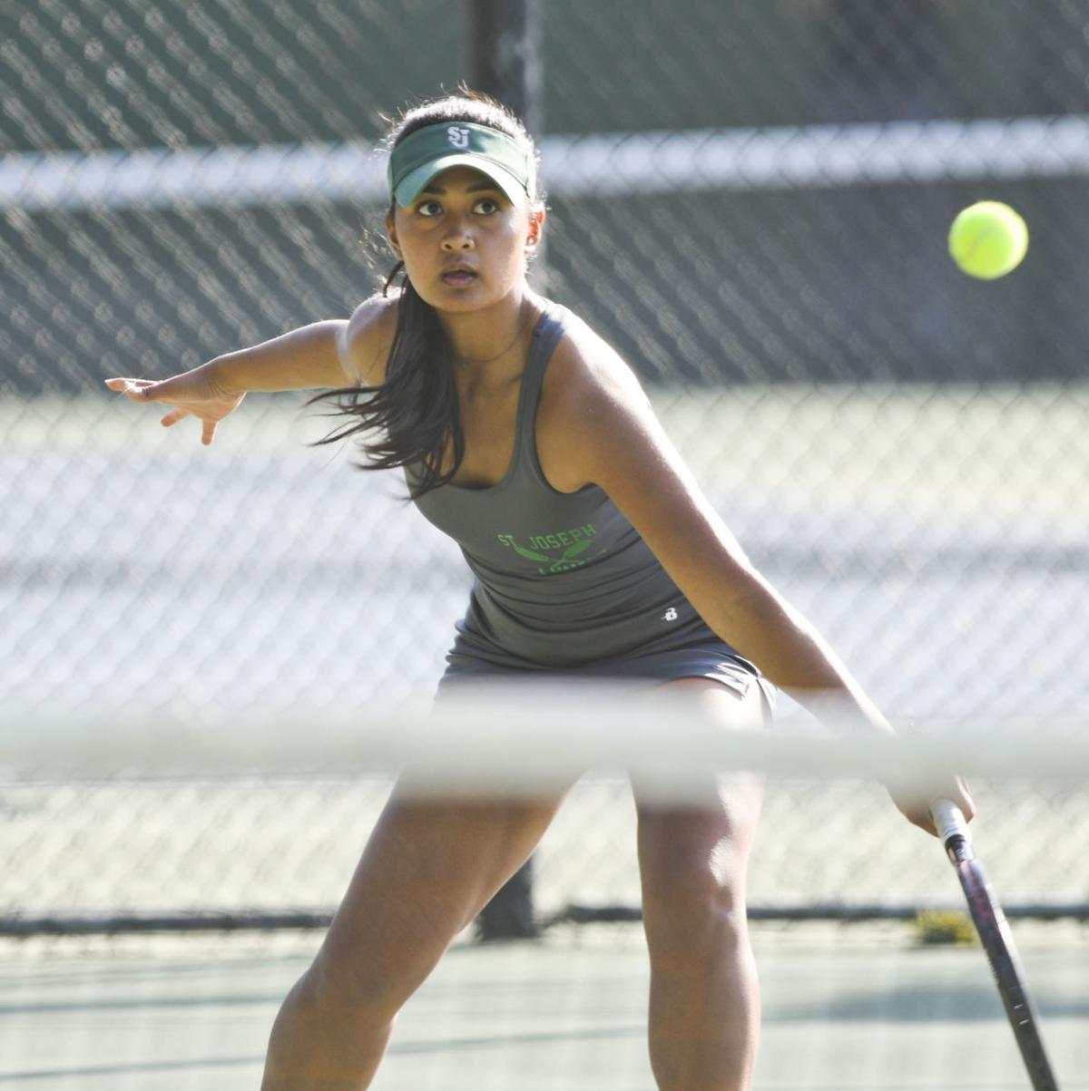 110719 Centennial SJ tennis 04.jpg