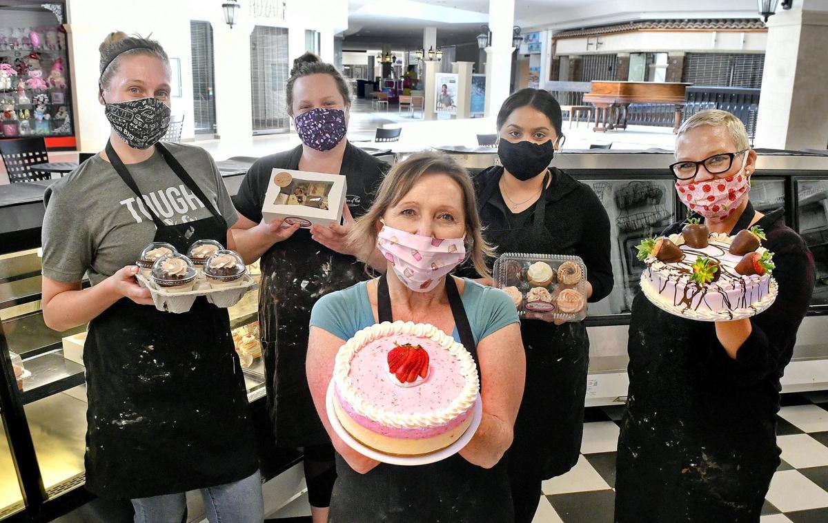 042320 Gina's Cake 01.jpg
