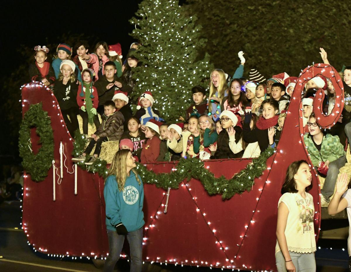 120117 Lompoc Christmas Parade 03.jpg