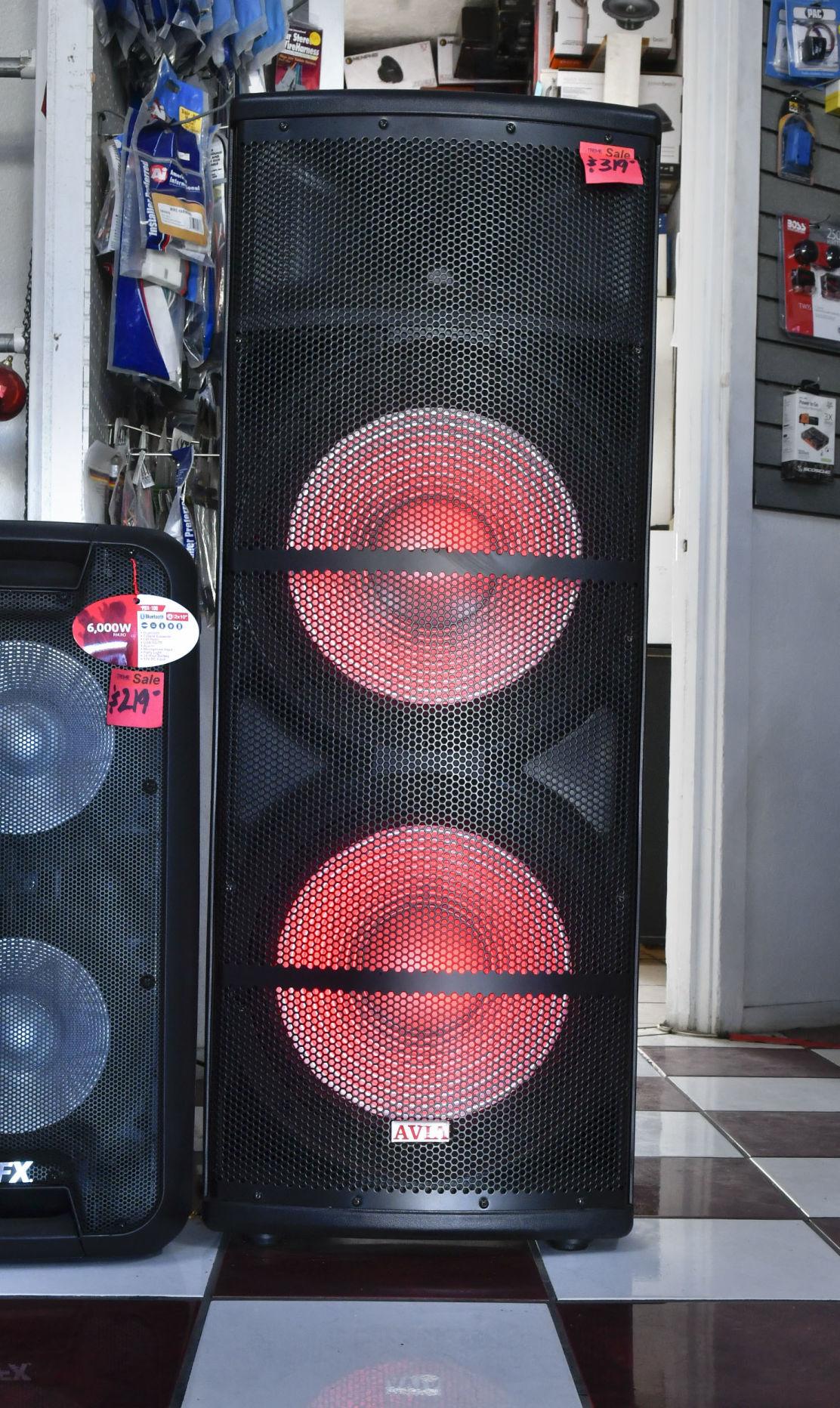 110218 Biz Connect Extreme Electronics 03.jpg