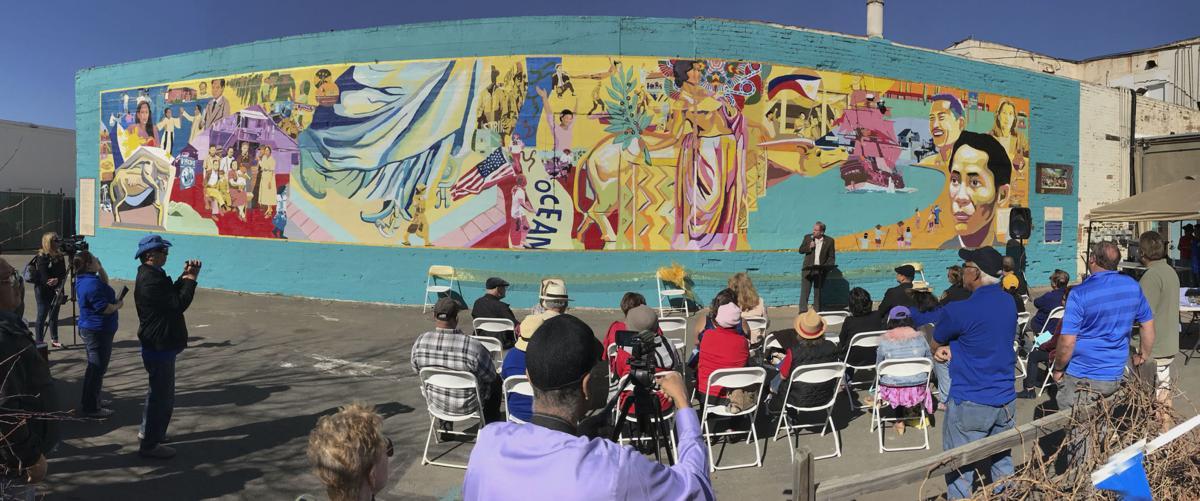 021618 Filipino-American mural 01.jpg