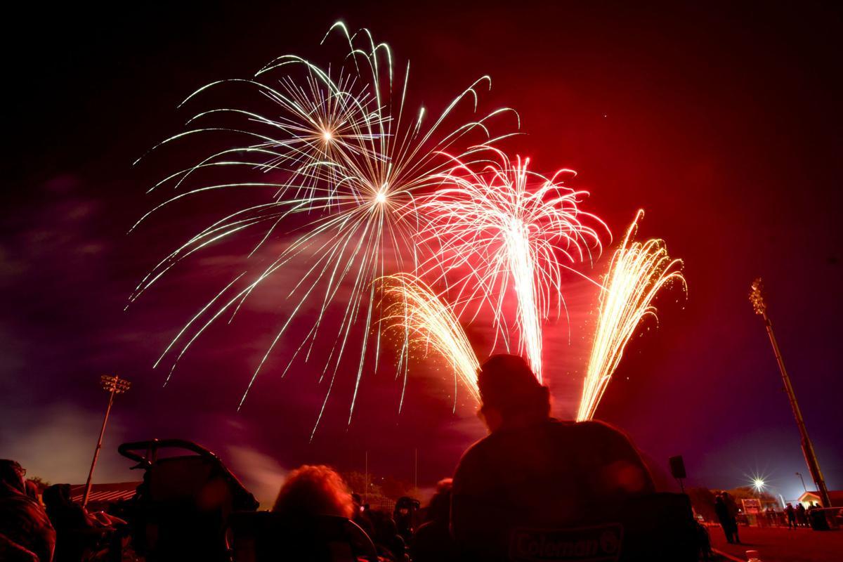 070418 Lompoc fireworks048.jpg (copy)