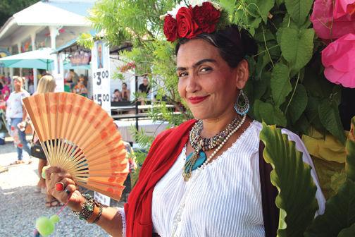 Frida w-Fan.jpg