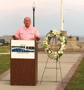 Mayor Mike Smith speaks