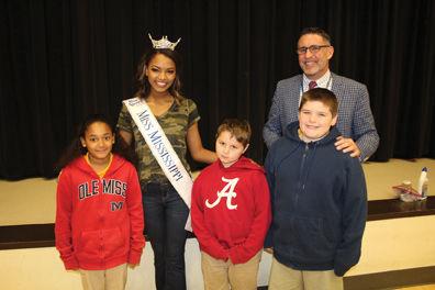 Miss Mississippi Asya Branch brings 'Tar Wars' to North Bay