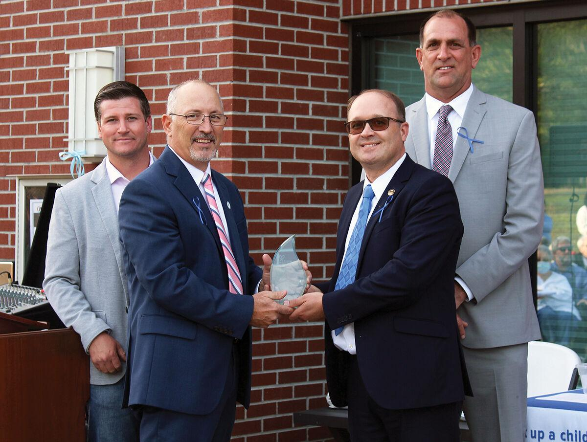 2021 Award for Outstanding Community Professionalism