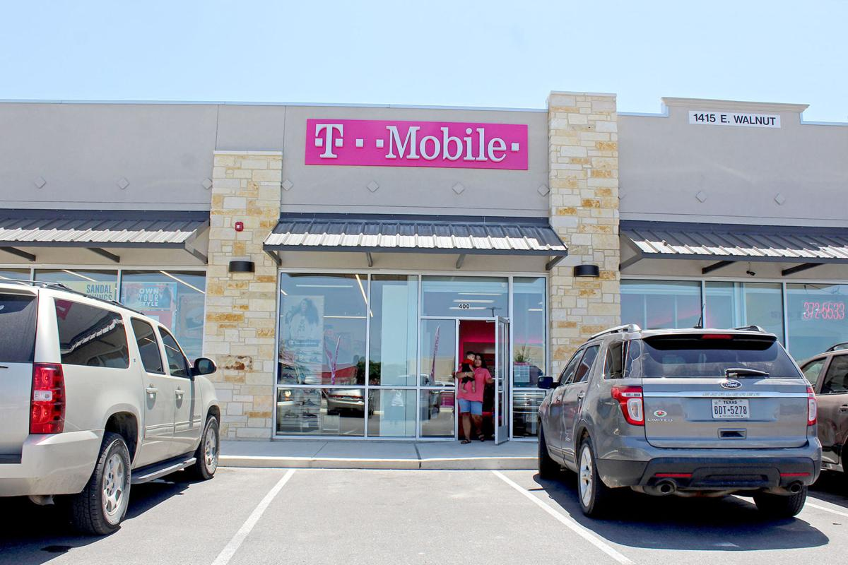 t mobile store near me open tomorrow