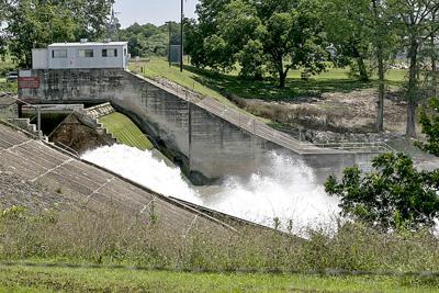 Lake Dunlap spill gate failure