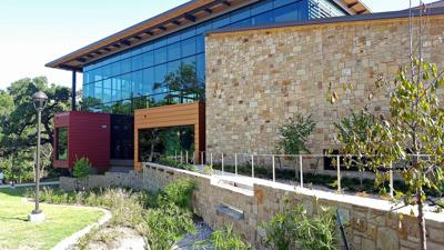 Seguin Public Library