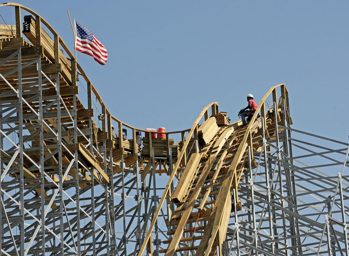 Zdts New Wooden Roller Coaster To Set World Record Alert