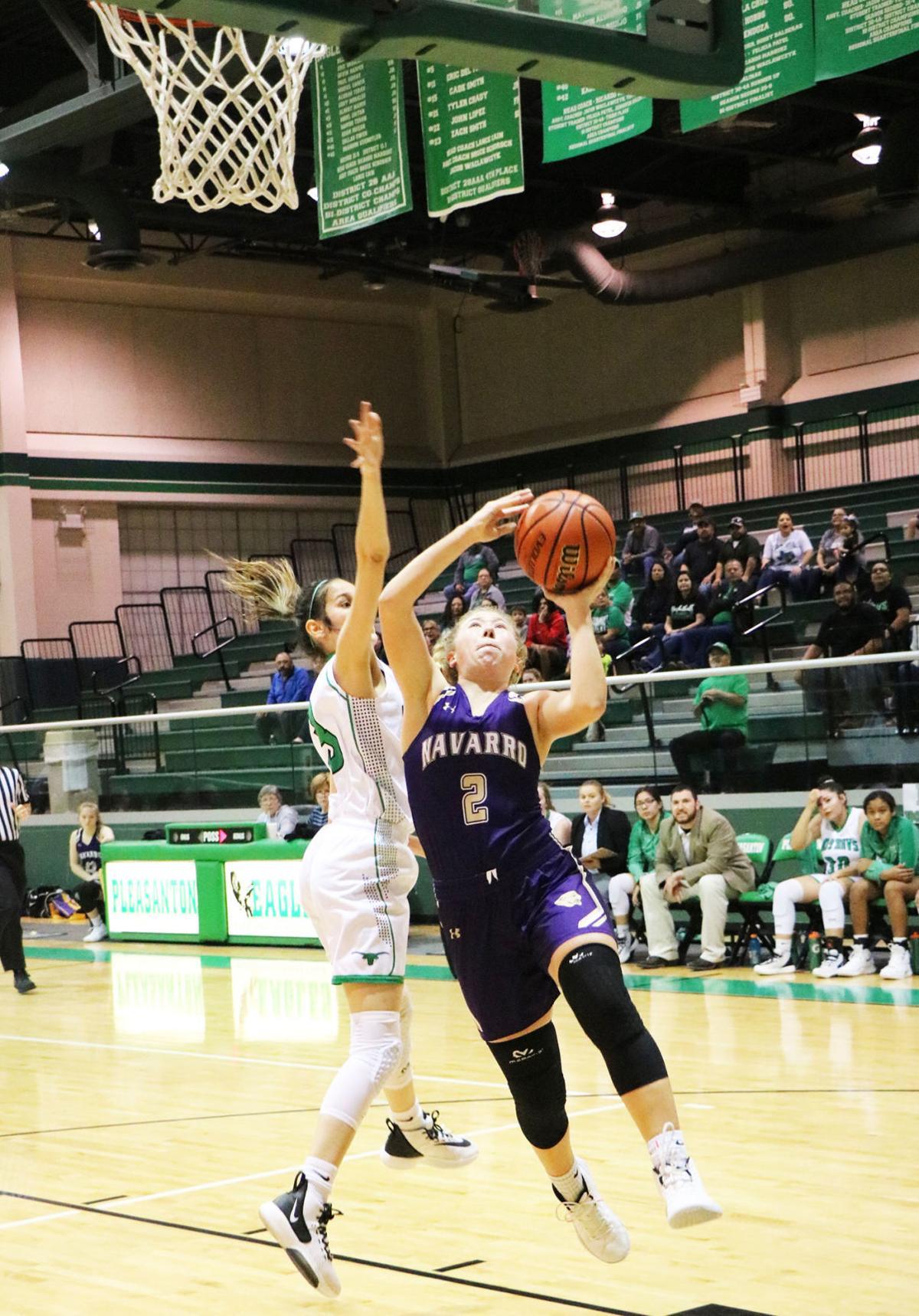 Navarro basketball