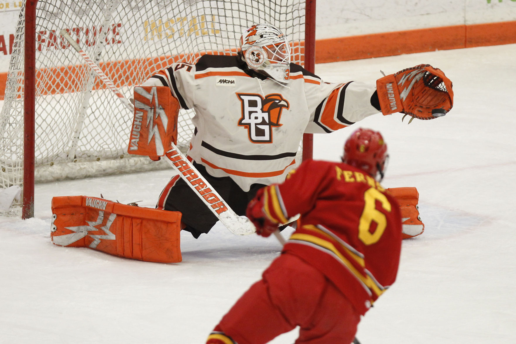 WCHA: Falcons Sweep Ferris State, Advance To 2nd Round Of Playoffs
