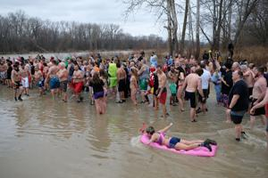 VIDEO: Polar Plunge tradition continues