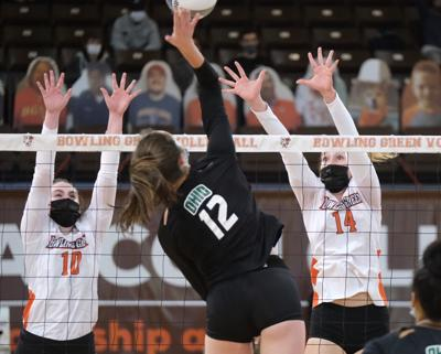 BGSU Volleyball OU 2021