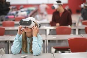 VIDEO: History comes alive with virtual reality at BG Middle School