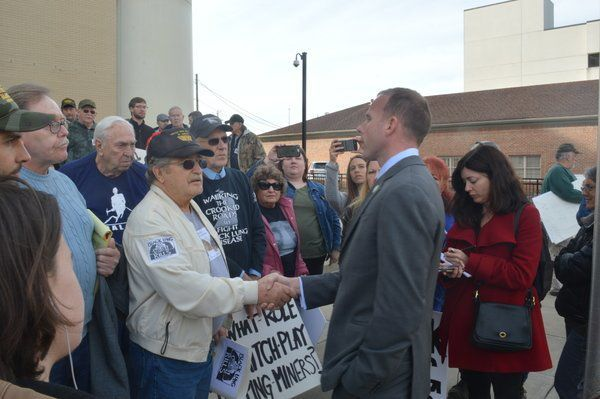 Activists advocate forcoalminers rights on Main Street