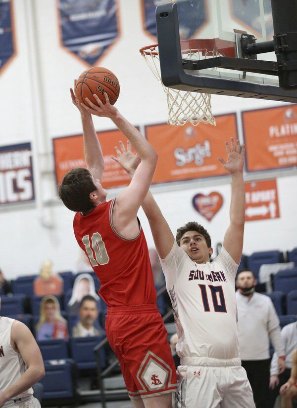 Cardinals remain unbeaten at 4-0 with big road win over Madison Southern