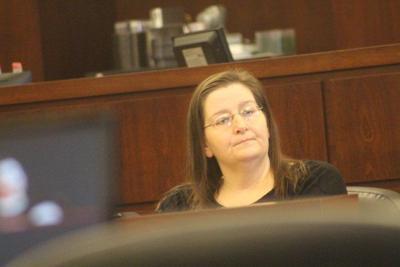10-year sentence for woman who set husband afire