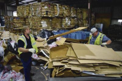 Londonindefinitely ends curbside recycling