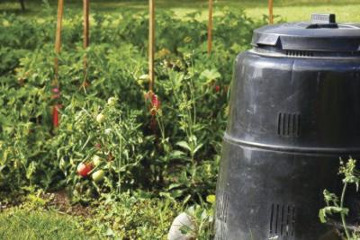 Home Composting:A guide to managing yard waste
