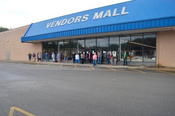 Vendorsseekinganswers from Vendors Mall management