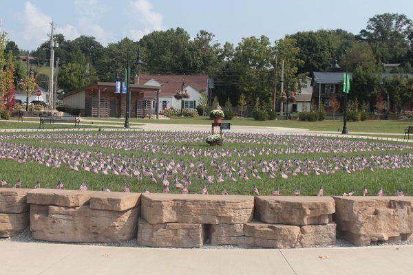 Laurel County Homecoming Committee, Queen and Teen Miss honor those killed on 9-11-01