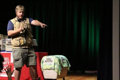Coyote Chris of Silly Safaris comes to the Laurel County Public Library