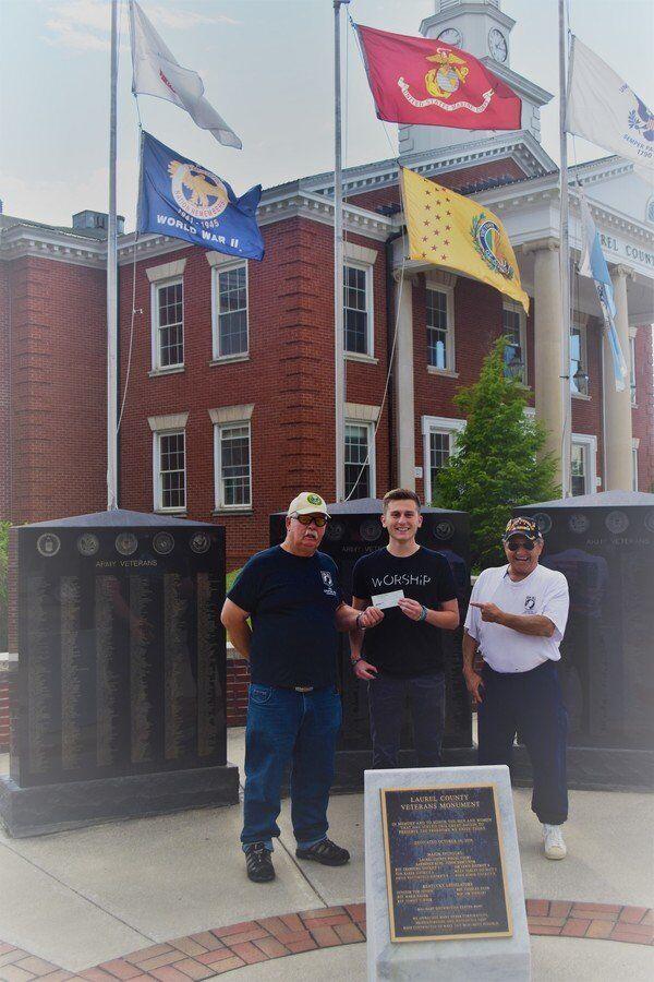 Veterans provide scholarships to students