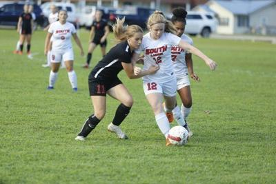 Lady Cardinals battle in tough 4-1 loss