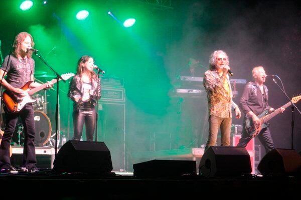 Starship, Vagabond Blue entertain large crowd, close out Town Center Concert Series