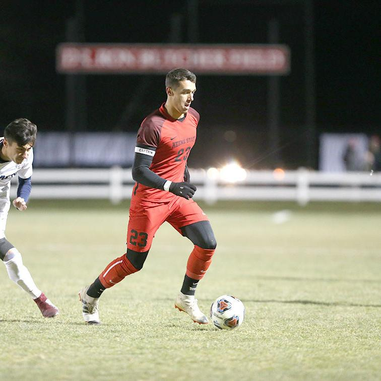 Owls fall to Ithaca 2-1 in NCAA men's soccer tourney