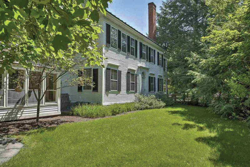 Charming Home in Walpole