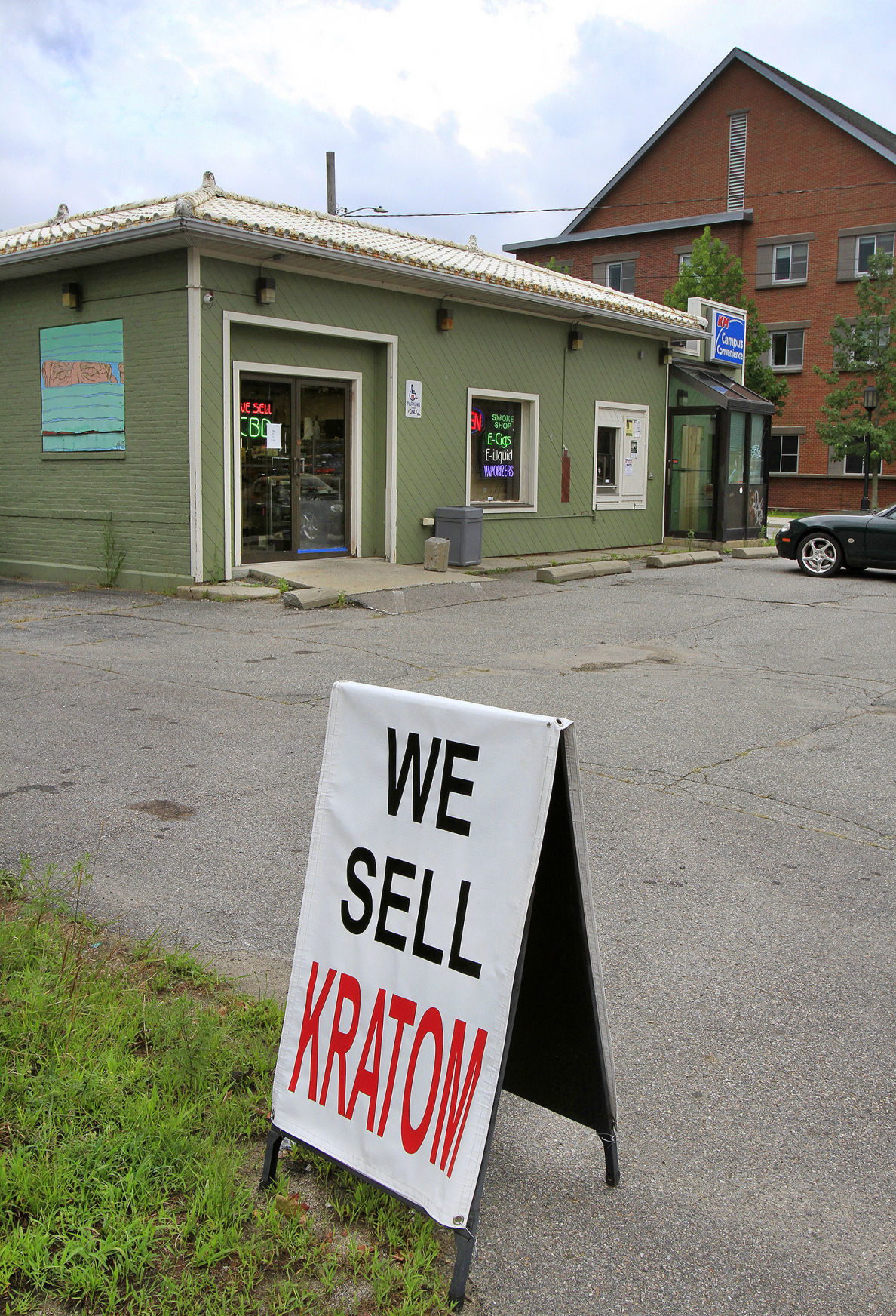 'We sell kratom'