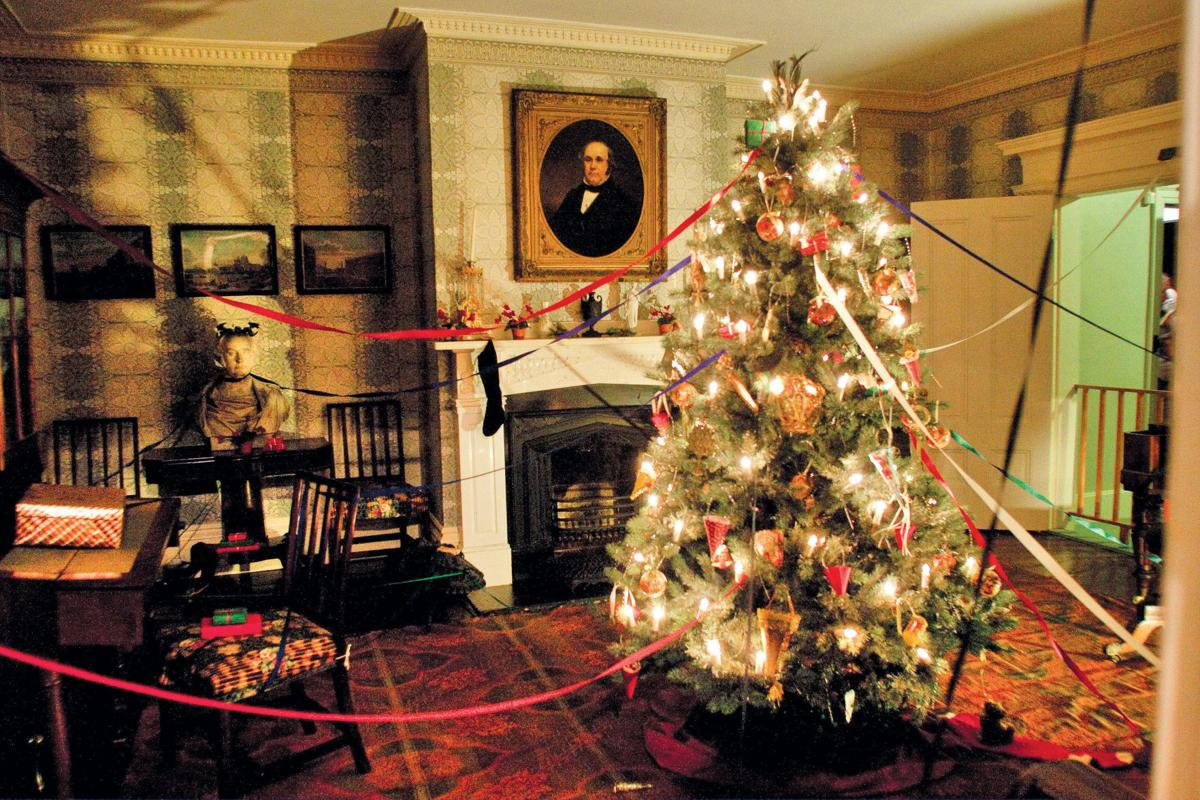 Day Trips and Getaways: An Old-Fashioned Christmas at Strawbery ...