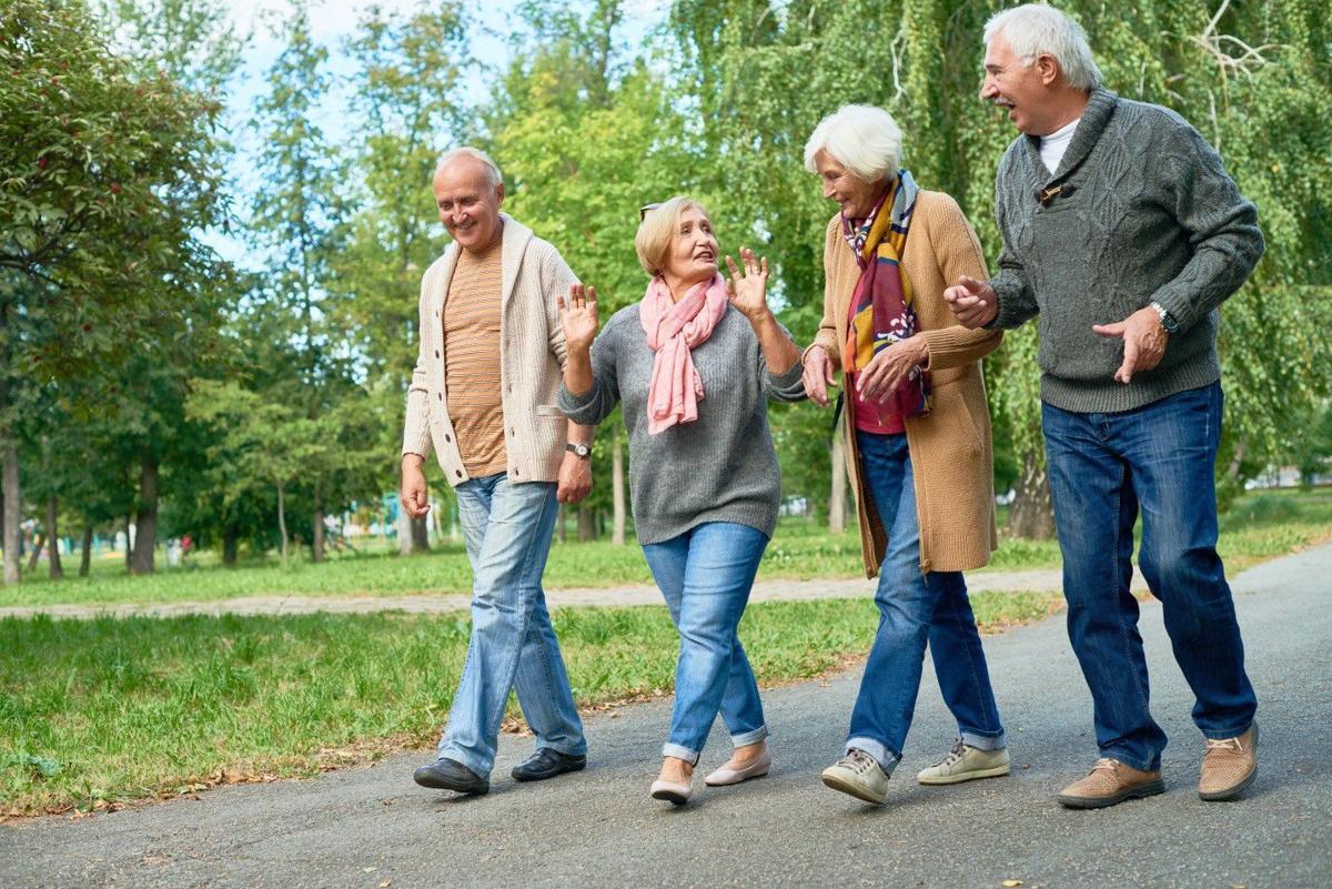 5 Benefits of Social Interaction among Seniors