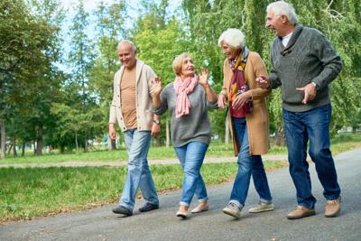 5 Benefits of Social Interaction among Seniors