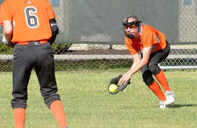 20210410-SPT-softball