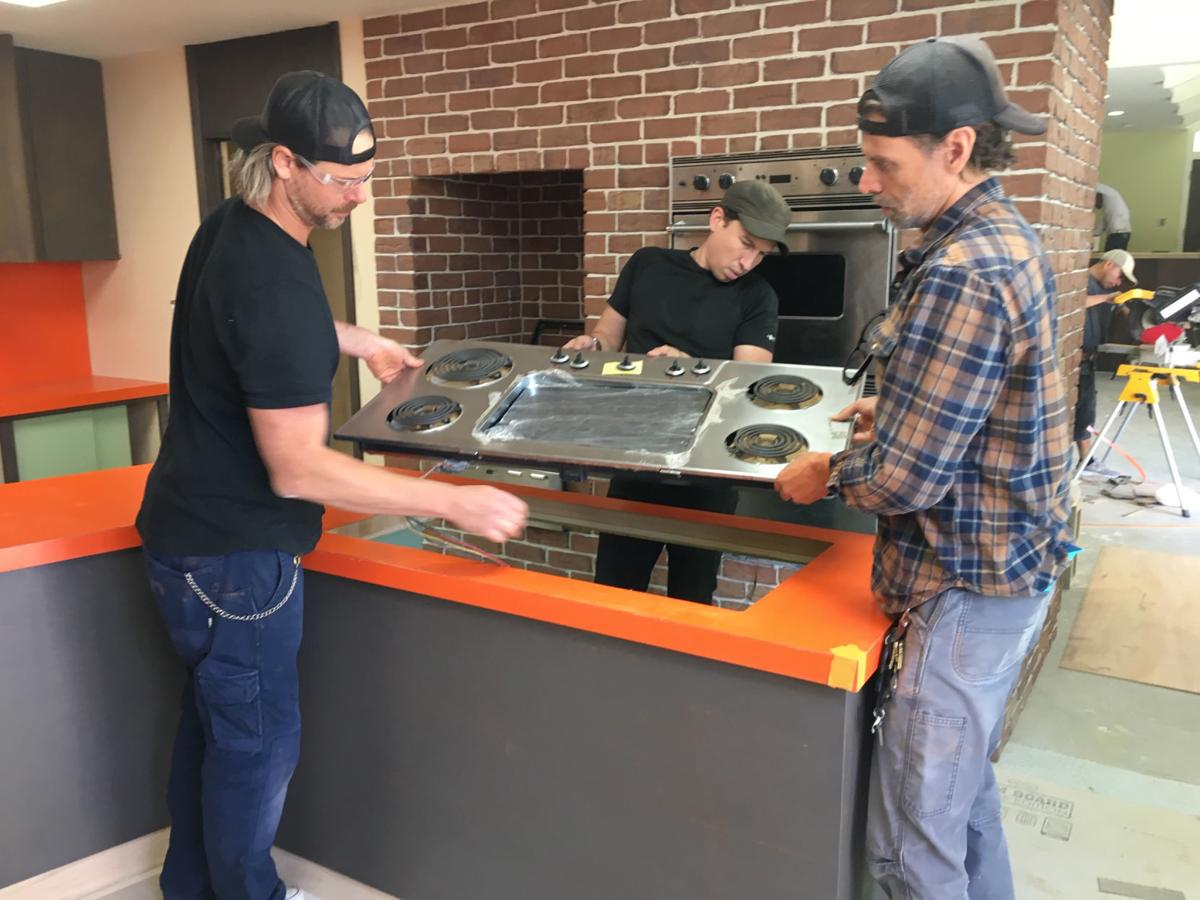 Building Designer Eastman Takes On A Very Brady Renovation Local News Sentinelsource Com