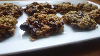 Pecan, Oat and Dark Chocolate Chunk Cookies